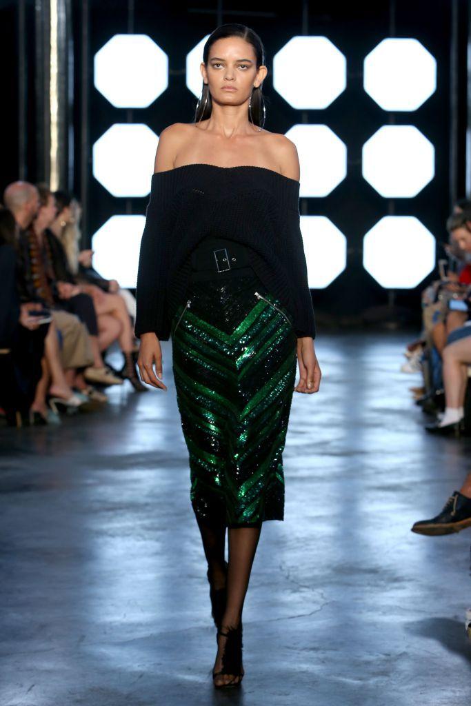 Модный образ с юбкой-карандаш Sally Lapointe