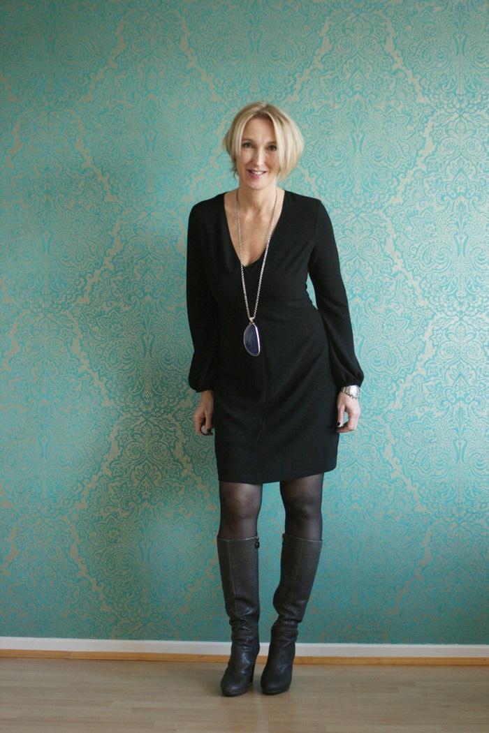Новогоднее платье для женщин за 40 лет