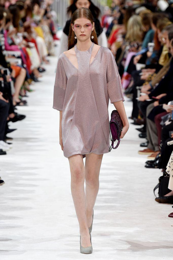 Стильное укороченное платье Valentino