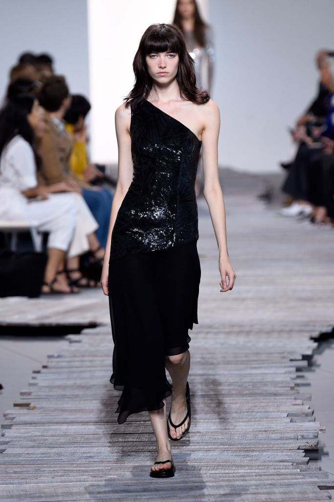 Платье с открытым плечом, коллекция Michael Kors