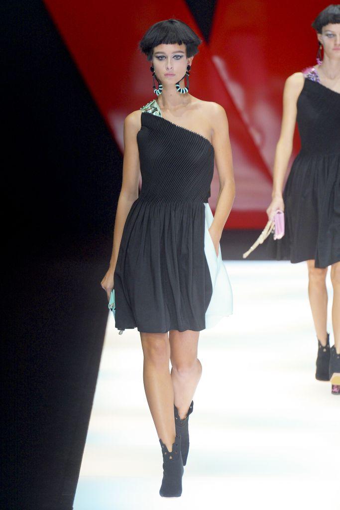 Стильное коктейльное платье от Giorgio Armani