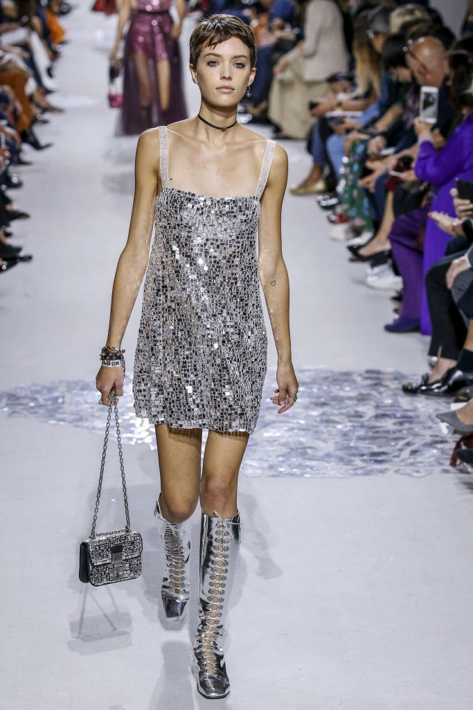 Платье из последней коллекции Dior