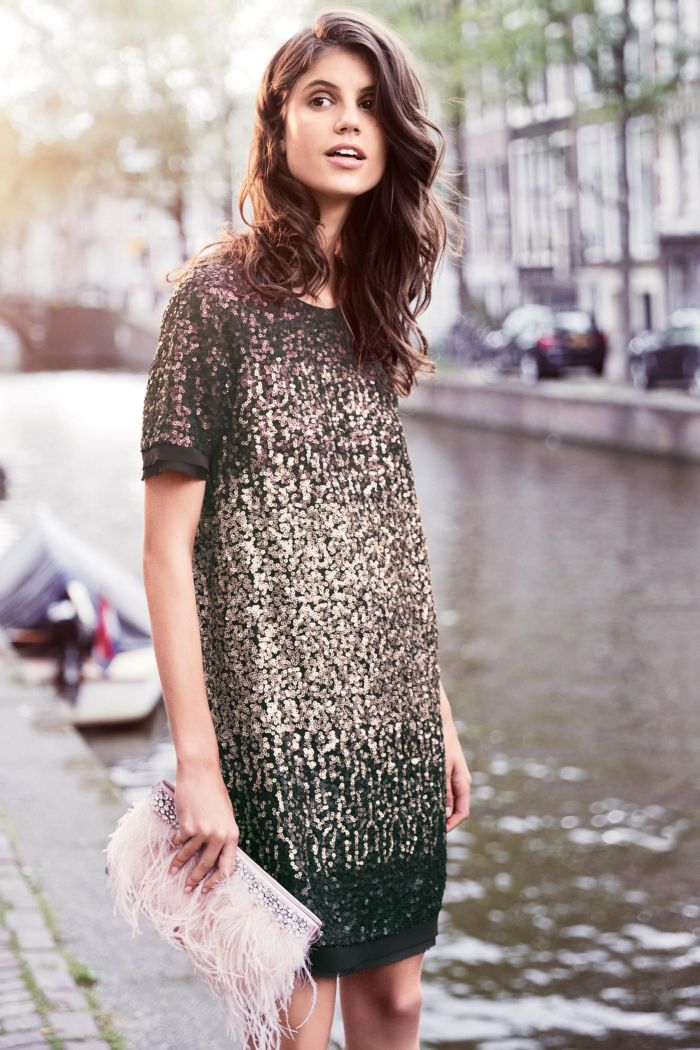 Next: платье с паетками