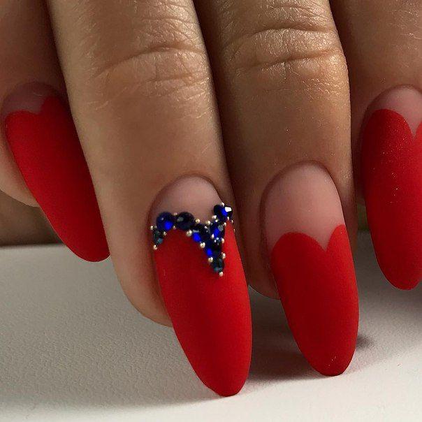 Миндалевидная форма ногтей: фото с дизайном сердце