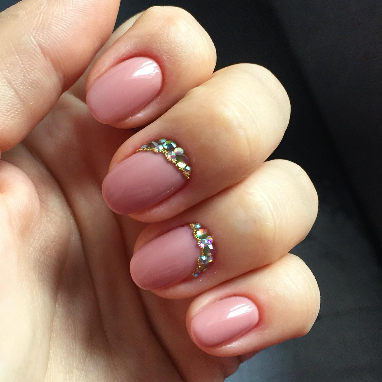 Гелевые овальные ногти дизайн фото
