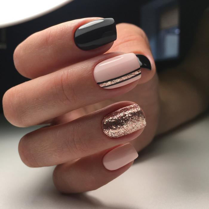 Дизайн коротких ногтей: маникюр с вертикальными полосами