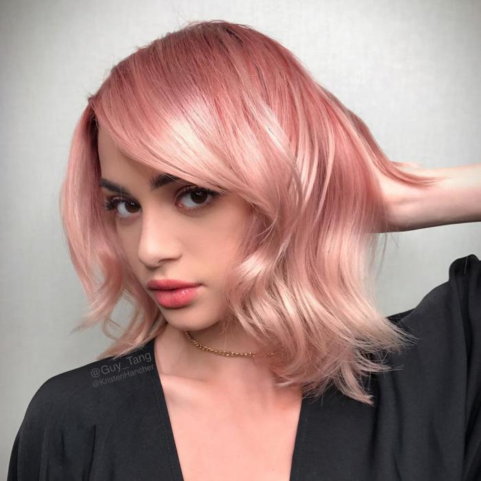 Модные короткие стрижки с розовым окрашиванием