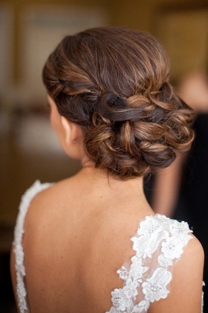 Самые красивые прически на средние волосы