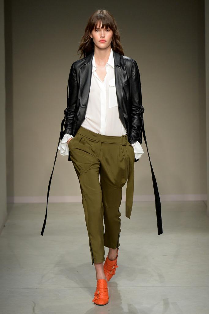 Модные кожаные куртки Trussardi весна 2018