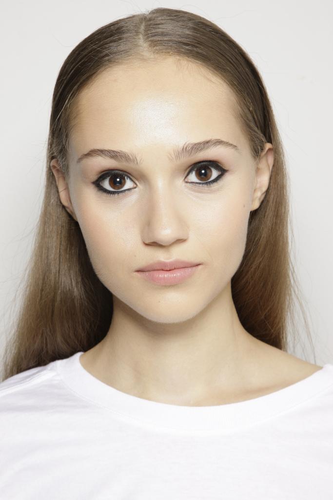 Модный макияж 2018 с акцентом на глаза