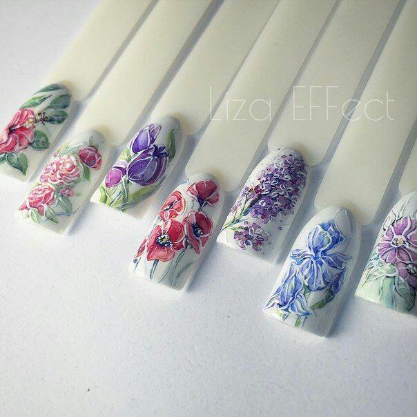 Маникюр на апрель с цветами
