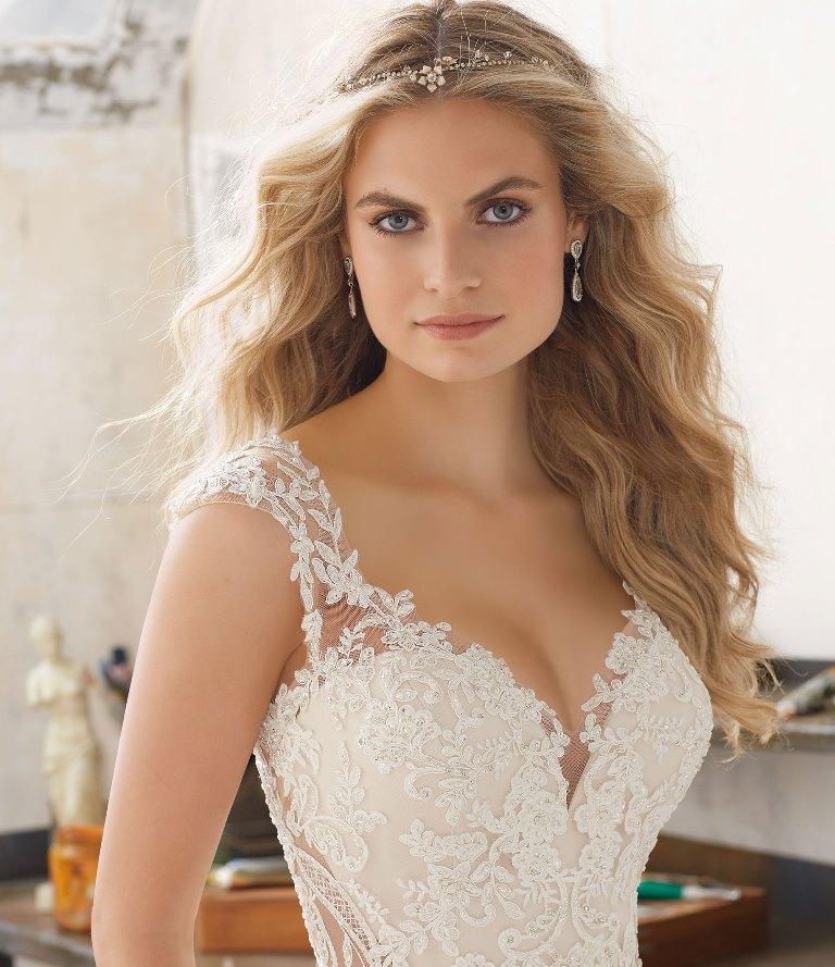 Свадебные прически 2018 с распущенными волосами