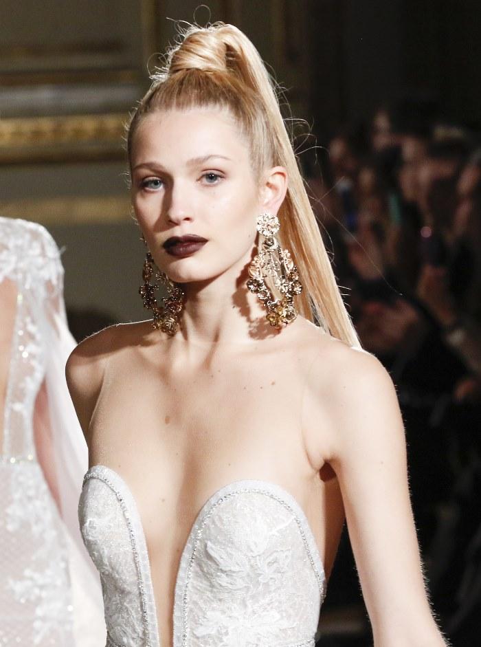 Свадебные прически 2018 с хвостом