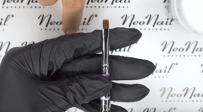 Пошаговое фото к инструкции по укреплению ногтей гелем под гель-лак: необходимые инструменты