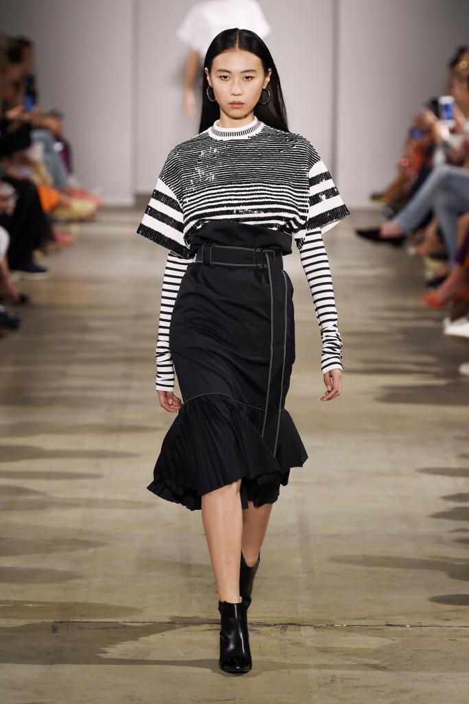 Модный фасон юбки годе