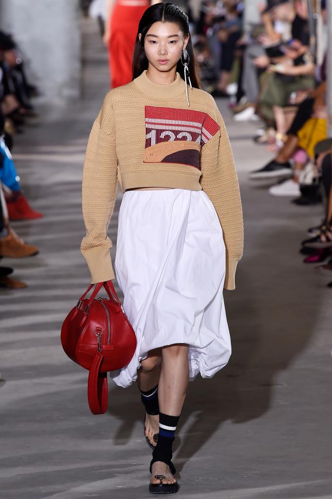 Модные юбки в спортивном стиле