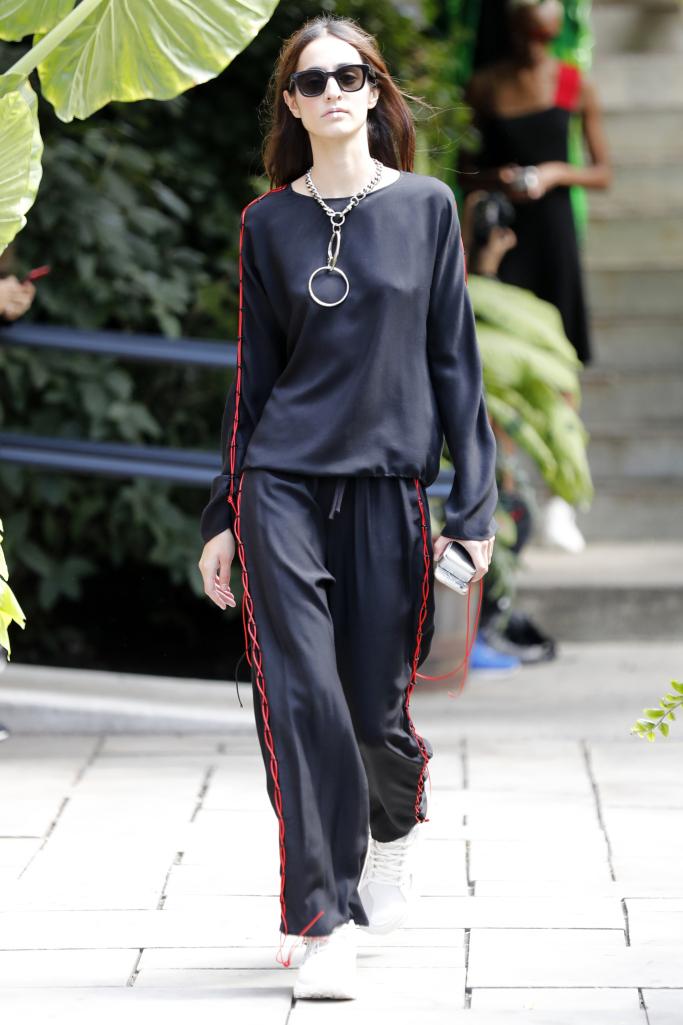 Модные брюки Assembly весна-лето с лампасами