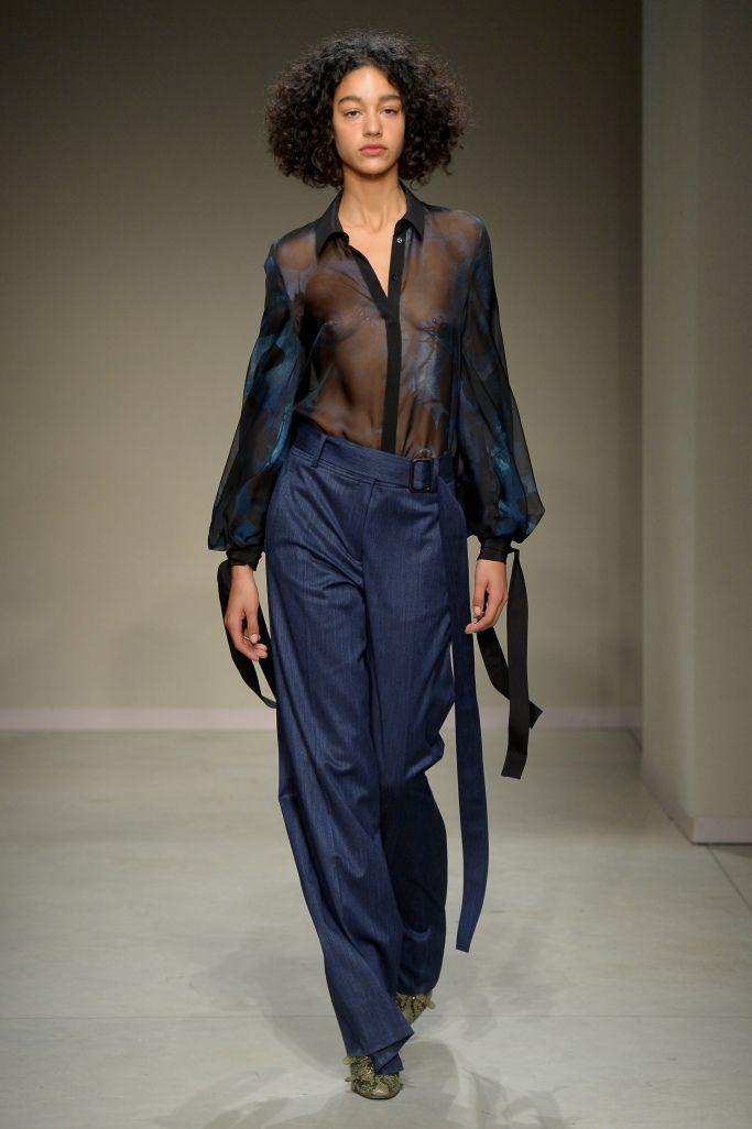 Модные брюки с завышенной талией