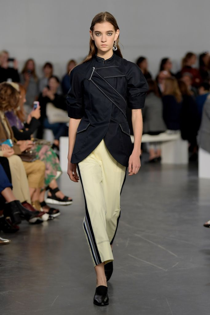 Модные брюки весна-лето с лампасами