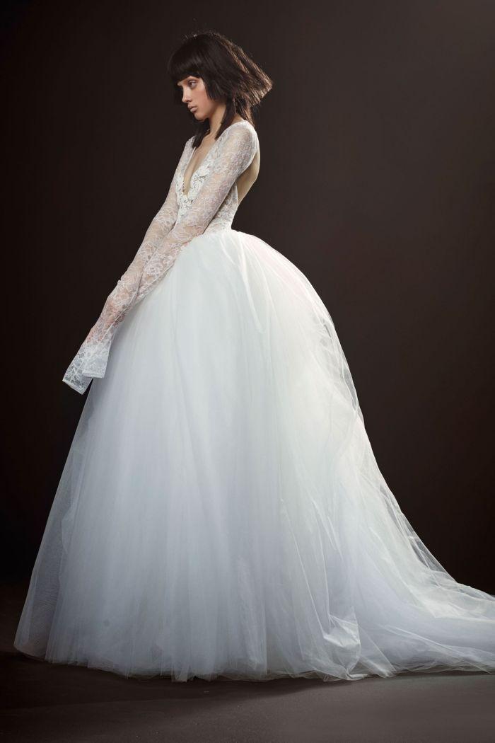 Стильные белые платья с рукавами от Vera Wang