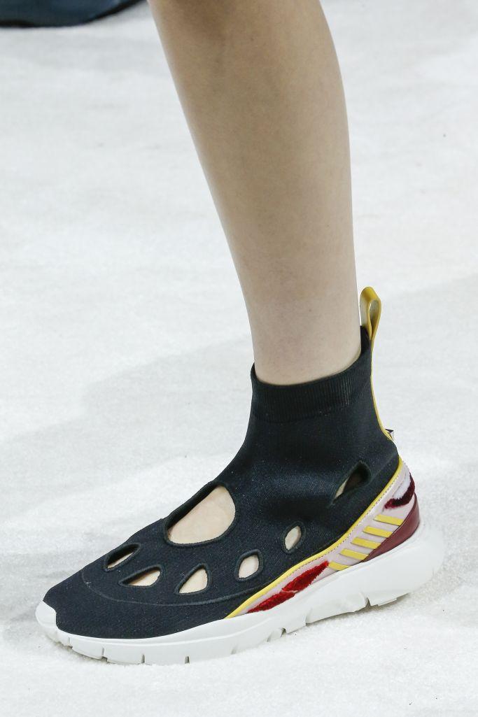 Модные летние женские ботинки