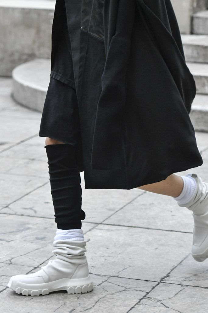 Модные женские летние ботинки