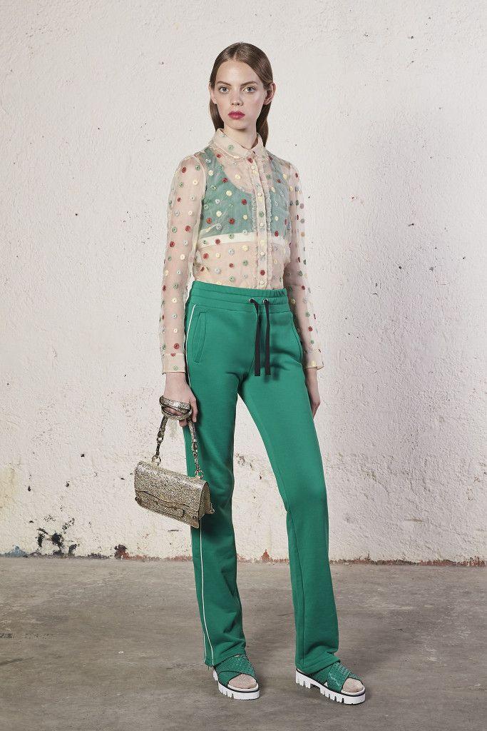 Модные брюки с лампасами зеленого цвета