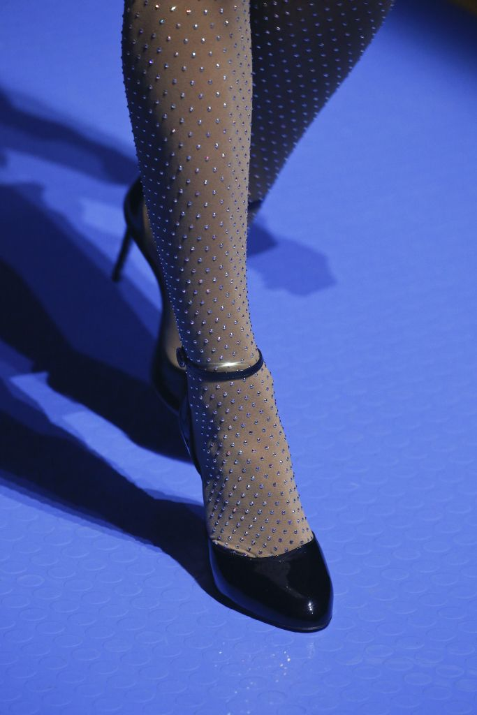 Модные черные туфли Gucci