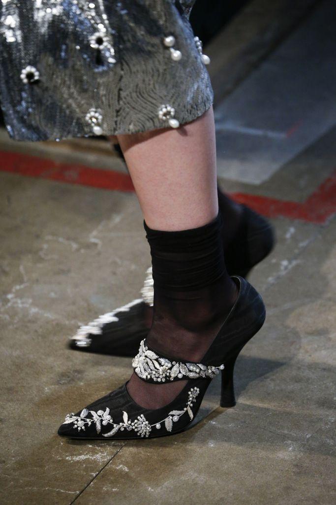 Модные туфли с носком
