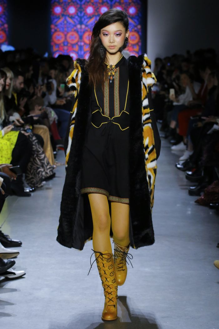 Модная женская обувь Anna Sui