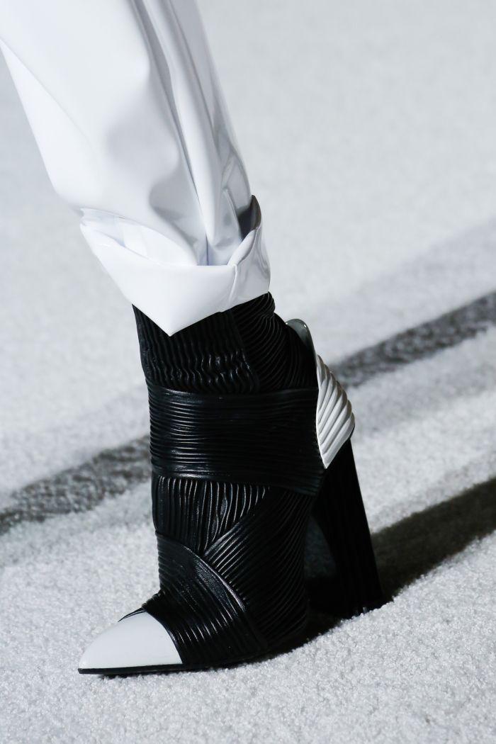 Модная обувь осень-зима 2018-2019 Balmain