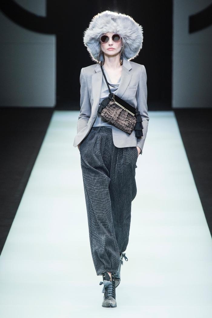 Модные меховые береты из меха Giorgio Armani
