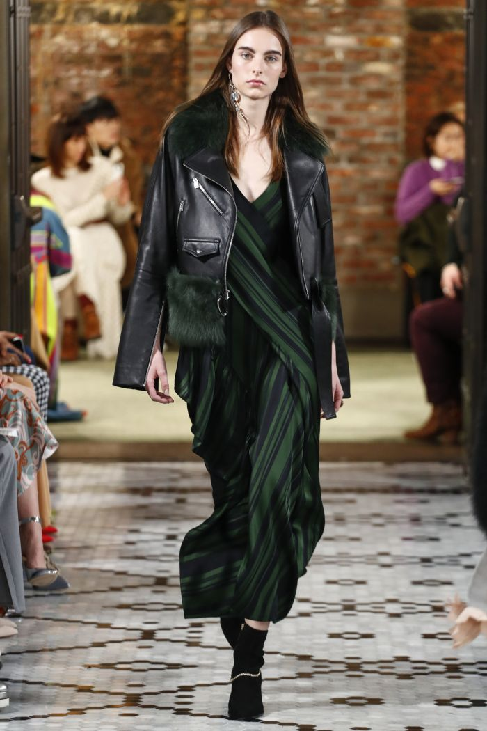 Модная куртка Adeam