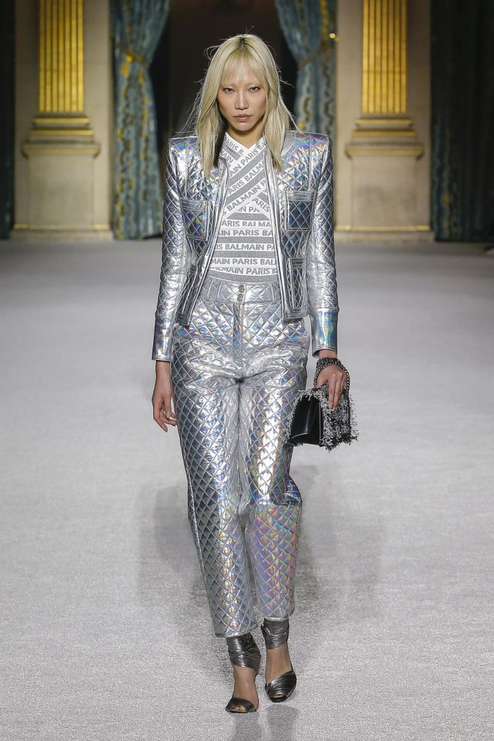 Модная серебристая куртка Balmain