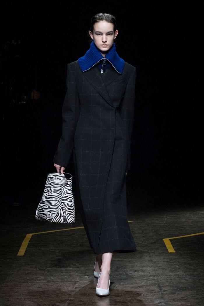 Модное пальто Boss