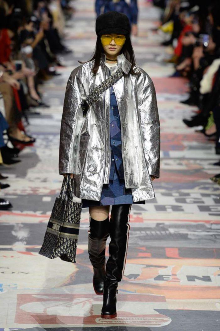 Модная серебристая куртка Christian Dior