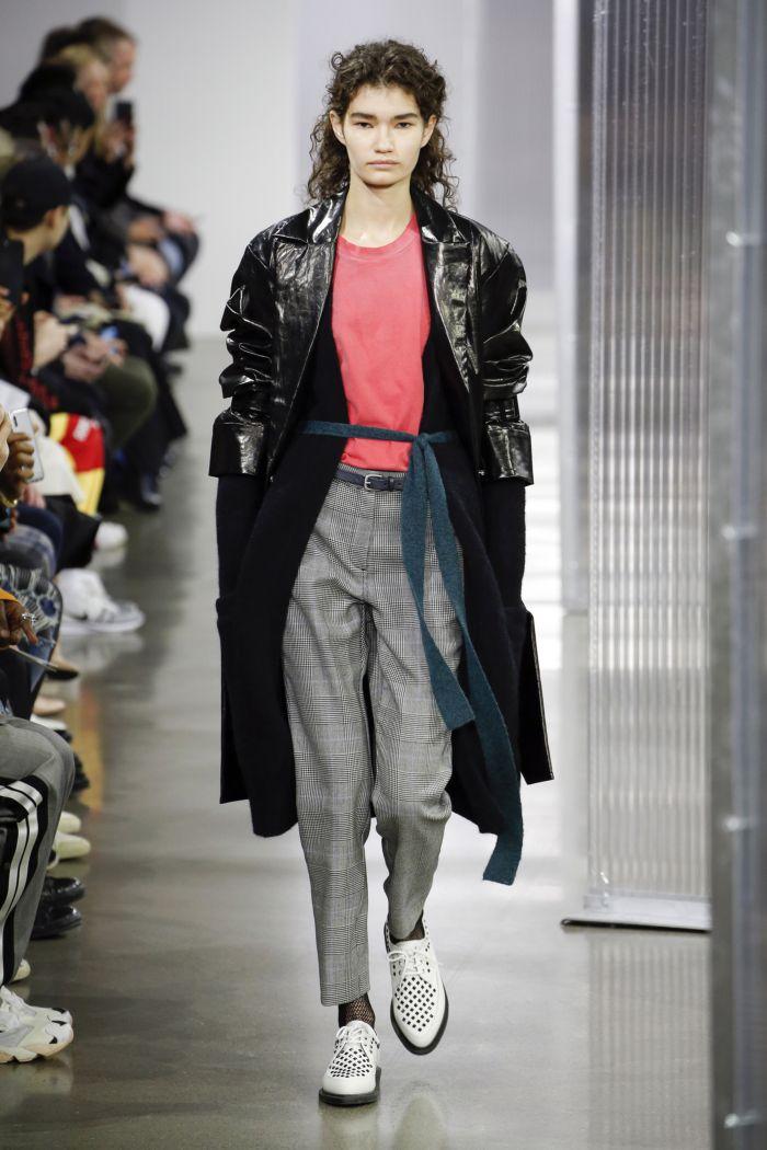 Модные женские брюки John Elliott