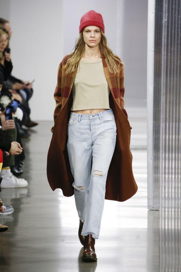 Модные женские джинсы John Elliott