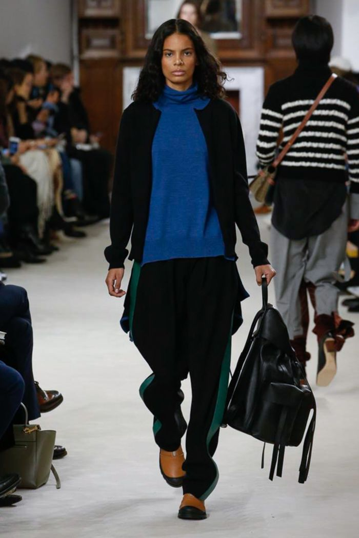Модные женские брюки Loewe