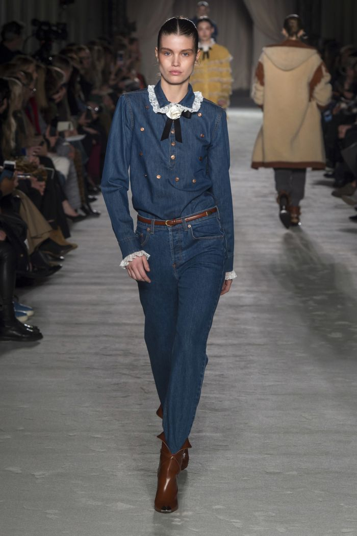 Модные женские джинсы Philosophy di Lorenzo Serafini