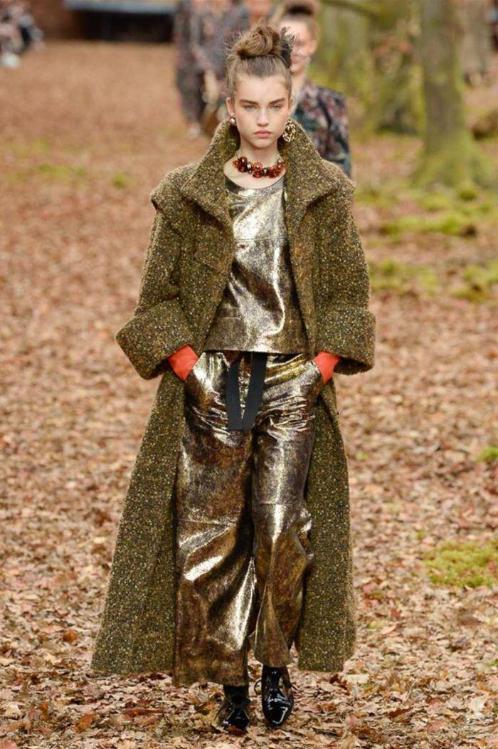 Модное пальто Chanel