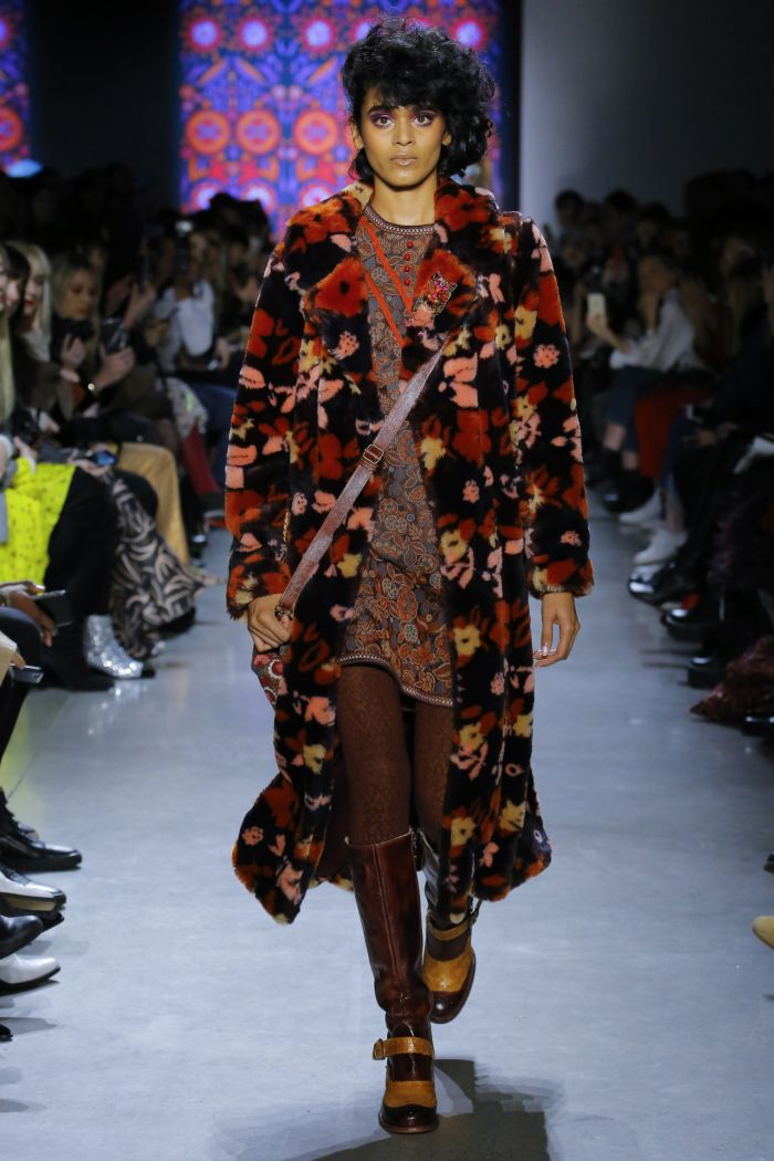 Модная шуба Anna Sui