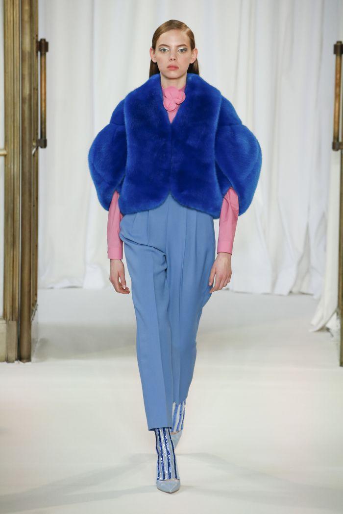 Модная шуба Delpozo