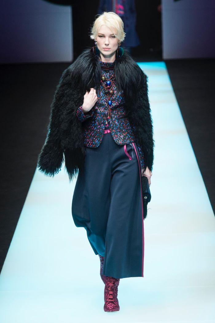 Модная шуба Giorgio Armani