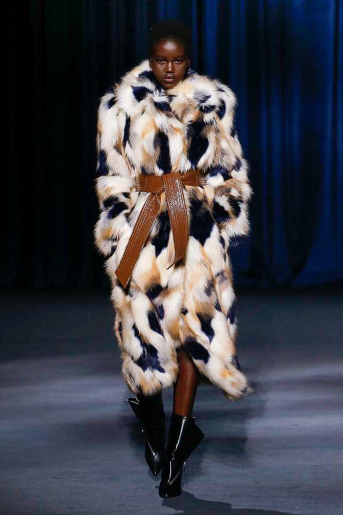 Модная шуба Givenchy