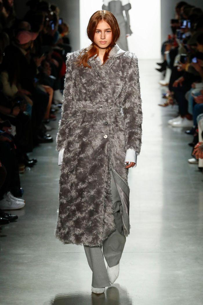 Модная шуба Jonathan Simkhai