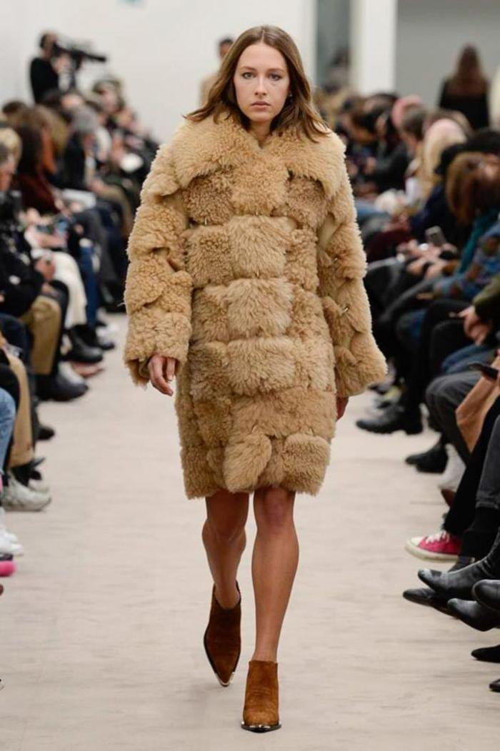 Модная шуба Paco Rabanne