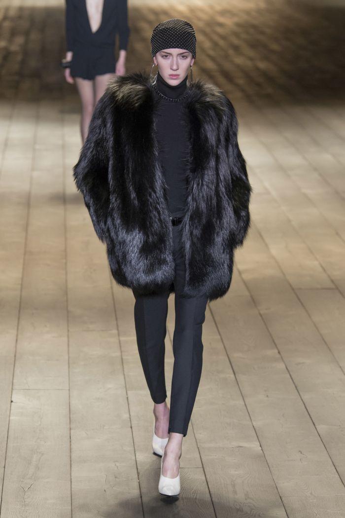 Модная шуба Saint Laurent