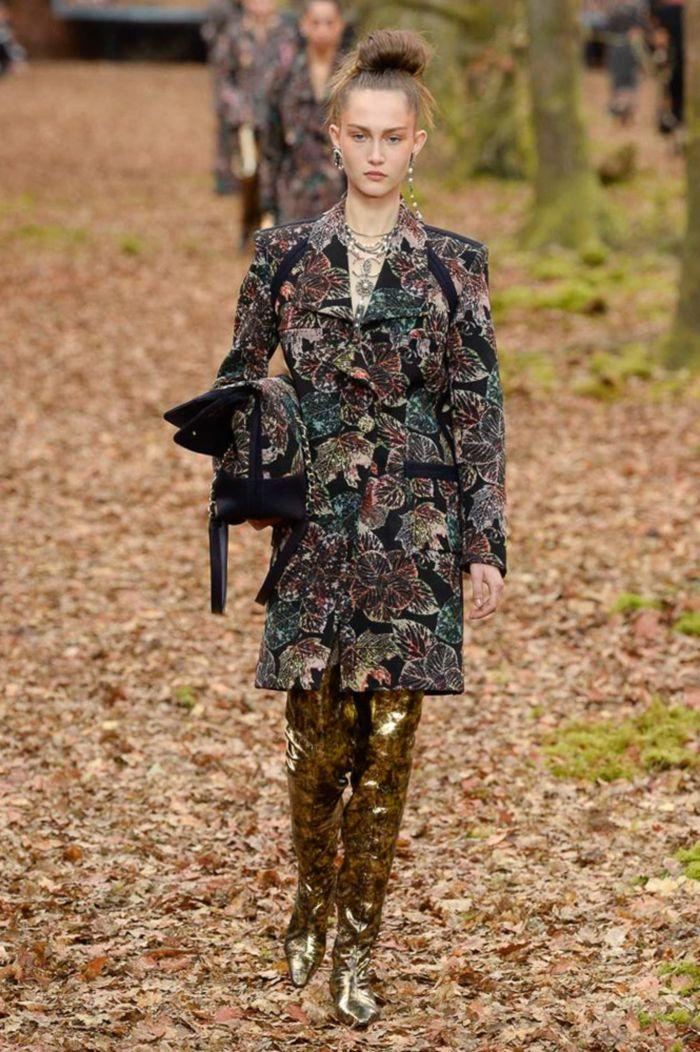 Модные ботфорты Chanel