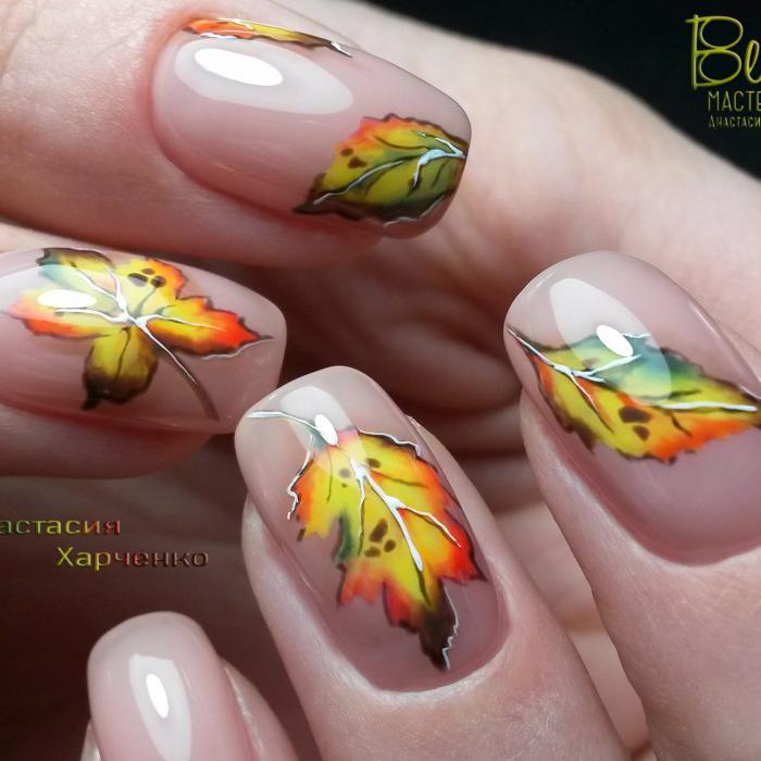 Маникюр с листьями - идеи осенних рисунков